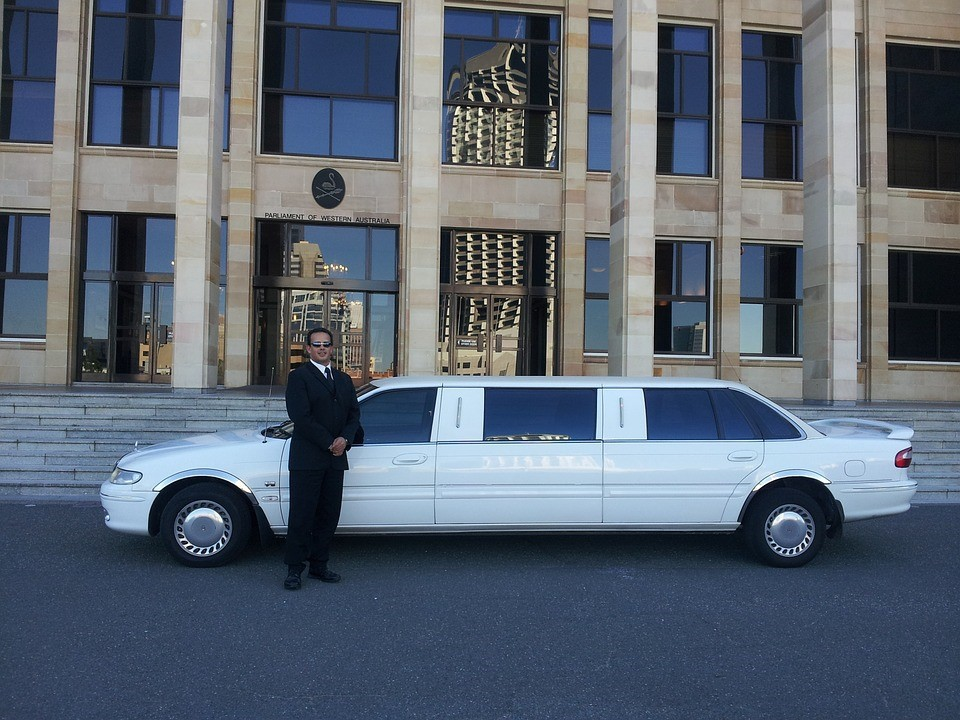 4 Tips On How to Start a Limo Service... And Keep It Going!